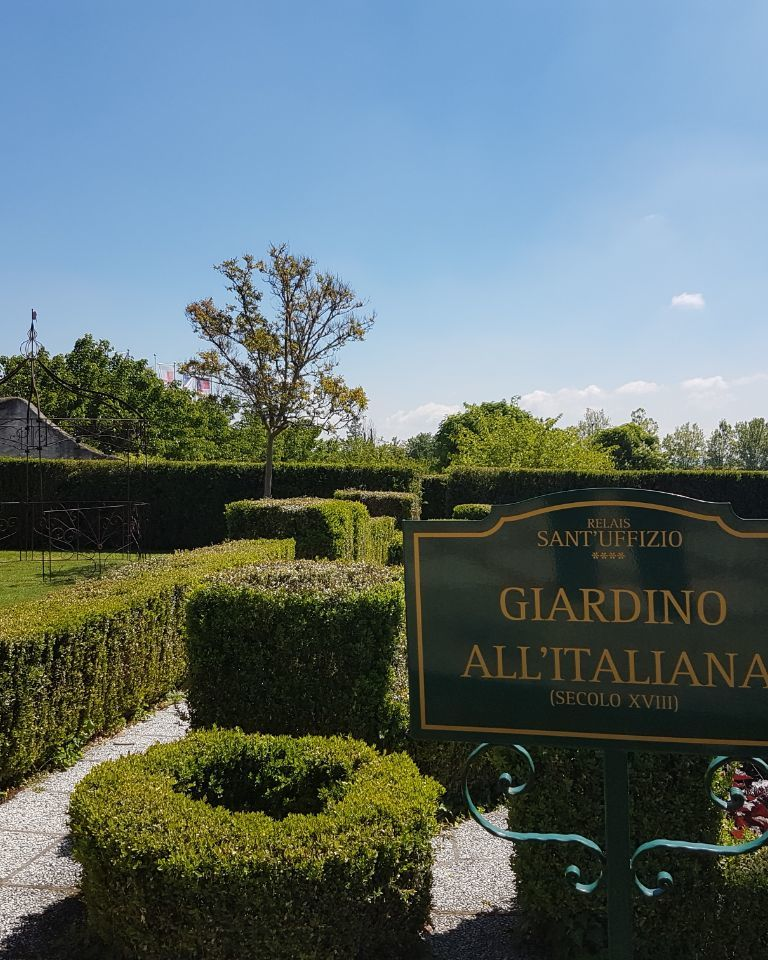 Relais-SantUffizio-Wellness-and-SPA-in-Piedmont-garden