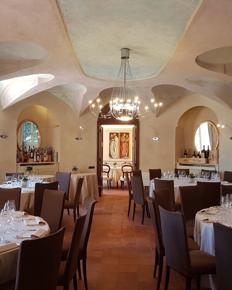 Relais-SantUffizio-Wellness-and-SPA-in-Piedmont-restaurant