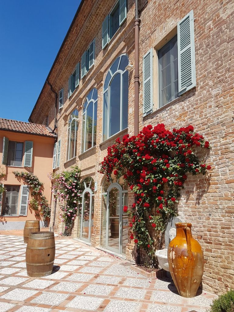 Relais-SantUffizio-Wellness-and-SPA-in-Piedmont-roses