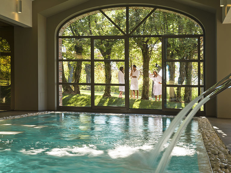 THE LUXURY OF VICES Couples SPA Experience